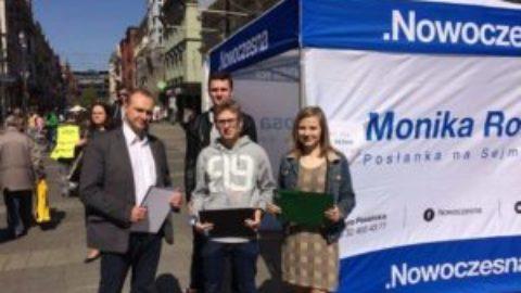 8 marca zbiórka podpisów pod uchwałą w sprawie dofinansowania in vitro w Katowicach..